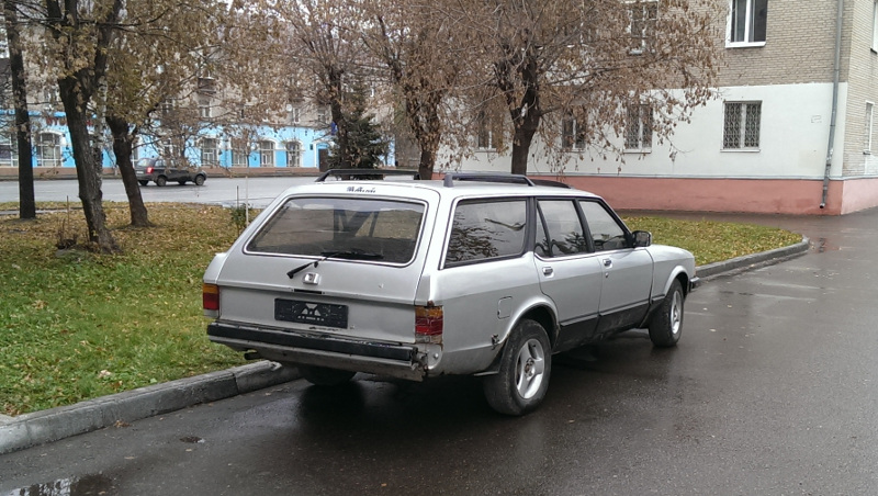 Ford Granada вид сзади