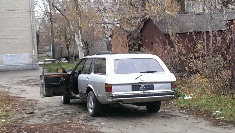 Ford Granada вид сзади 2