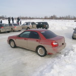субарик на ледовых гонках