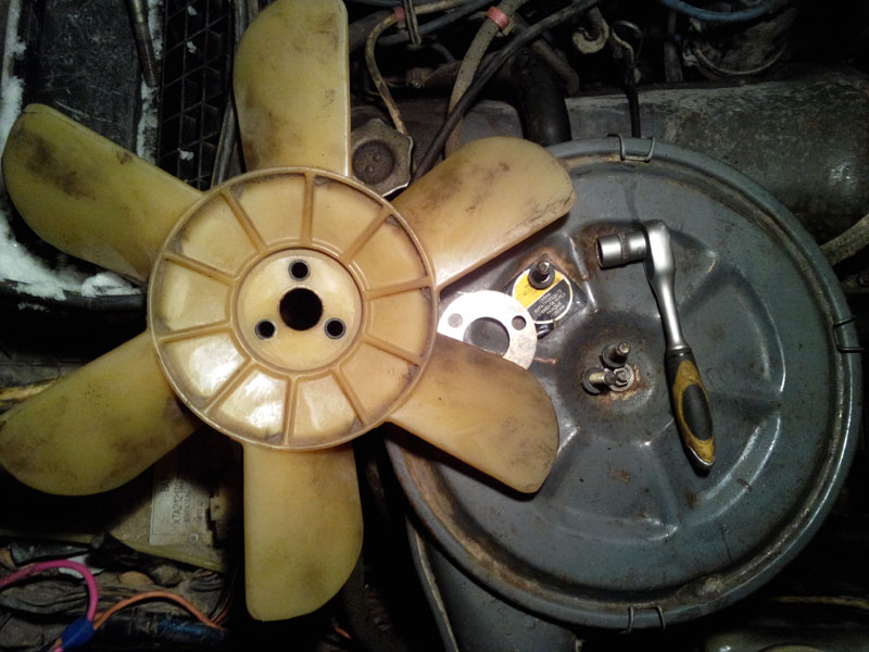 вентилятор двигателя 21213